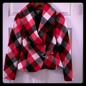 Plaid coat great for Holiday Season! 🎄🎄
